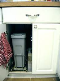 Under cabinet garbage can Ideas Undercounter Garbage Can With Lid Under Counter Garbage Can Under The Counter Garbage Cans Small Size Undercounter Garbage Can Budeseocom Undercounter Garbage Can With Lid Wooden Kitchen Trash Cans Kitchen