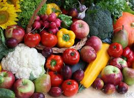 fruit and vegetable seeds are a good gift idea for someone just starting a garden