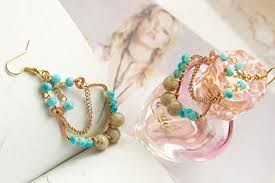 4 steps to make super cute turquoise chandelier earrings 1