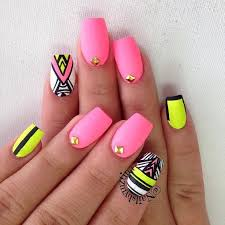 Neon Nails Nehtyprofi