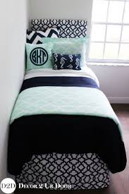 Dorm Bedding Decor 1000 Ideas About College Dorm Bedding On Pinterest Dorms Decor