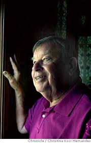 phil elwood beloved bay area jazz and blues critic   elwood 100903 ckh photo of phil elwood former examiner jazz critic at his berkeley