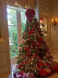 White Christmas Tree With Red Green And Gold Decorations Show Me
