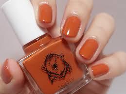 オレンジ ネイルポリッシュ