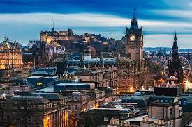 Skottland upptar den norra tredjedelen av ön storbritannien och delar gräns med england i söder medan det avgränsas av nordsjön i öster. Jag Ska Till Skottland Come Fly With Me