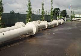 Fertige Säulen aus Beton mit GEOTUB Betonschalung