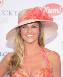 Kentucky Derby Hairstyles Erin Andrews At 138th Kentucky Derby At Churchill Downs In