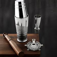 One of uk's largest kitchenware companies, offering kitchen, dining and houseware items to leading s. Crafthouse By Fortessa Cocktail Shaker Set Williams Sonoma