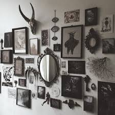 Photo wall inspo from Nona Limmen.