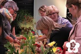 Teaching Floral Design Jacqueline Boerma Teaching A Table Decoration Class