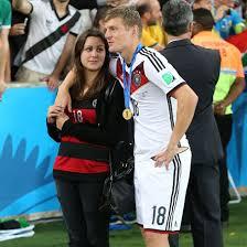 Toni Kroos Frau und seine große Liebe Jessica Kroos!