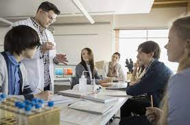 browse stem scholarships for each type