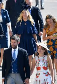 Prince harry's former girlfriend chelsy davy looks chic in navy as she arrives for his nuptials to meghan markle. Elliot Wagland On Twitter Harry S Ex Chelsy Davy Arrives For The Wedding Ceremony Of Prince Harry And Meghan Markle Royalwedding