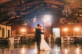 brides and grooms alike love the springs wedding venue for its pristine architecture rustic setting fortable amenities and open es