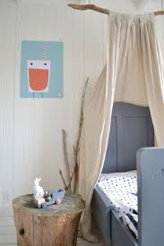 Diy Bed Canopy 10 Diy Canopy Beds To Make You Feel Like Youre On Safari