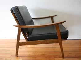 mcm arm chair with black naugahyde cushions 3