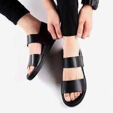 2019 factory direct new <b>sandals</b> male <b>Korean</b> version of the <b>trend</b> of ...