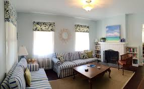 light blue living room ideas sherwin williams topsail blue walls