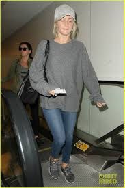julianne hough goes makeup free for a flight out of lax 09