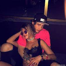 Alissa Violet & Banks Hint Their ...