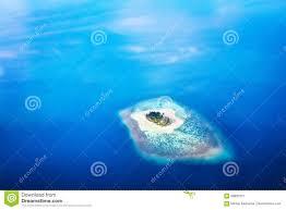Isola Di Forma Del Cuore In Maldive, Oceano Indiano Immagine Stock -  Immagine di indiano, paesaggio: 88890751