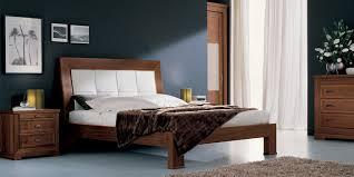 Camera Da Letto Grigio Bianco : Camera da letto minimalista semplice e di design