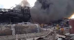 ระเบิดกิ่งแก้ว พุ่งติดเทรนด์ โรงงานพลาสติกไฟไหม้กลางดึก เสียงระเบิดดังสนั่น  (คลิป)