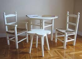 silla, sillón asiento enea, mesa infantil circular