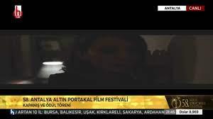 Altın Portakal Ödül Töreni'nde konuşma yapan Nihal Yalçın'ın Tamer Karadağlı'ya  gösterdiği tepki - YouTube