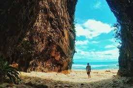 Pantai pok tunggal gunung kidul memiliki keindahan luar biasa. Pantai Sawarna Htm Rute Foto Dan Hal Menarik