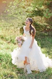 best 25 cowgirl wedding ideas on pinterest western bridesmaid Boots To Wedding best 25 cowgirl wedding ideas on pinterest western bridesmaid dresses, camo bridesmaid dresses and cowboy wedding dresses boots to a wedding