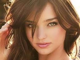 4 تسريحات شعر مناسبة للوجه الدائري Yasmina