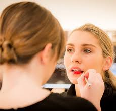 one of our mecca makeup artists will guide you through a personalised beauty tutorial in this hands on session we ll show you how to replicate each step of