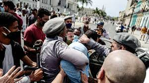 Cuba protests: Cubans take to streets ...