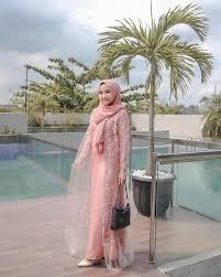 Pas banget tampilannya untuk kamu yang berjilbab pula. 60 Kebaya Modern Model Hijab Remaja Brokat Terbaru