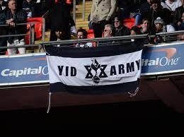 Jednym z najbardziej charakterystycznych zachowań kibiców spurs jest monotonne, mrożące krew w żyłach skandowanie dwóch słów: Tottenham Hotspur Facing Fresh Calls To Clamp Down On Yids Nickname The Independent The Independent