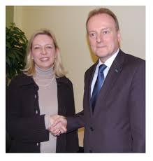 Dr. Gerd Benner und die Pressestelle der Debeka Versicherungsgruppe (www.debeka.de) in Koblenz gewinnen in diesem Jahr die unter Pressesprechern begehrte ... - berlin_pressestelle_des_jahres_2010