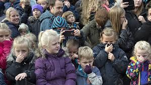 Resultado de imagen de niños tapandose la nariz