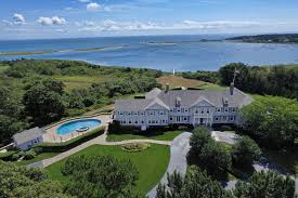 Luxury Waterfront Home in Massachusetts with Oceanside Pool