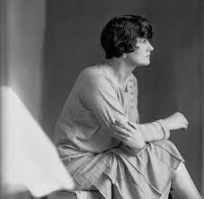 """Parfum """"1957"""" – """"Nicht Paris, sondern Amerika feierte Coco Chanel damals"""" -  WELT"""