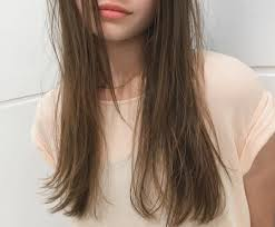 髪型はロングストレートが断然キレイに見える年代別おすすめヘアは