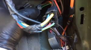 2003 2006 expedition fuse box removal youtube 2004 Ford Expedition Diagram at Removing 2004 Expedition Fuse Box