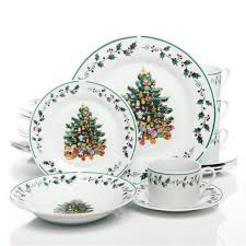Gibson Home Tree Trimming 20 Piece Dinnerware Set