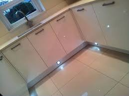 white quartz floor tiles 600