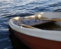 parasailing descriptive essay writework english almost sunken boat