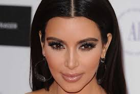 kim kardashian is rarely seen without some form of dramatic eye make up be it lashes defined liner smoky shadow or all three