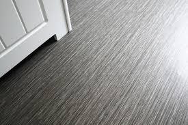 Für die reinigung und pflege unversiegelter oberflächen und fußböden. Pvc Boden Mit Weichspuler Putzen Frag Mutti