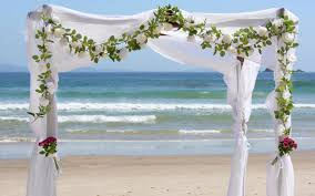 flowers for a beach wedding. beach weddings are the best solution for those who wish to have a simple, small wedding amidst earth\u0027s natural beauty. having on flowers