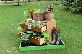 Small Picture Brilliant Outdoor Garden Decor Idea For Decorating Inexpensively