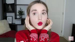 3 holiday makeup trends every aspiring beauty guru should know